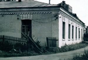 Рис. 4 Корпуса больницы на «старой территории» (у железнодорожной станции Мытищи), построенные в 1894, 1897 годах.