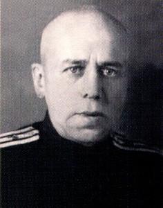 Рис. 17 Коробицын К.Я. - заведующий акушерско-гинекологическим отделением, главный врач роддома.